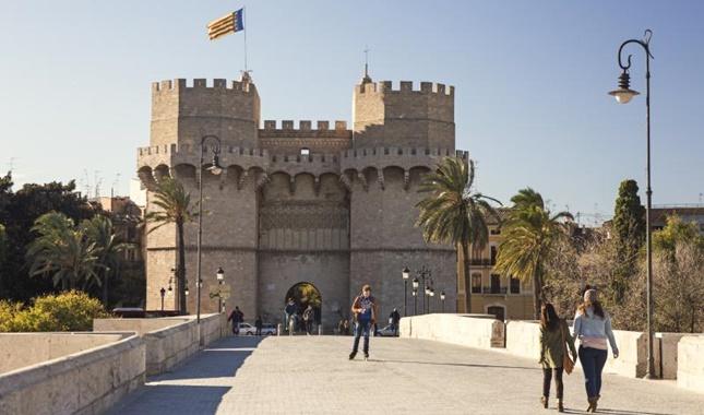 Por qué elegir Valencia y el Colegio Mayor Ausias March para estudiar