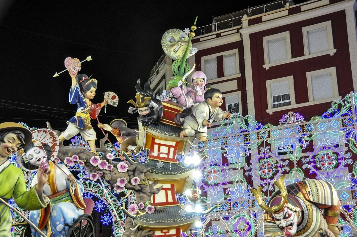 Las_Fallas_Valencia_Spain,_Oriental_theme_-_Flickr_-_keith_ellwood