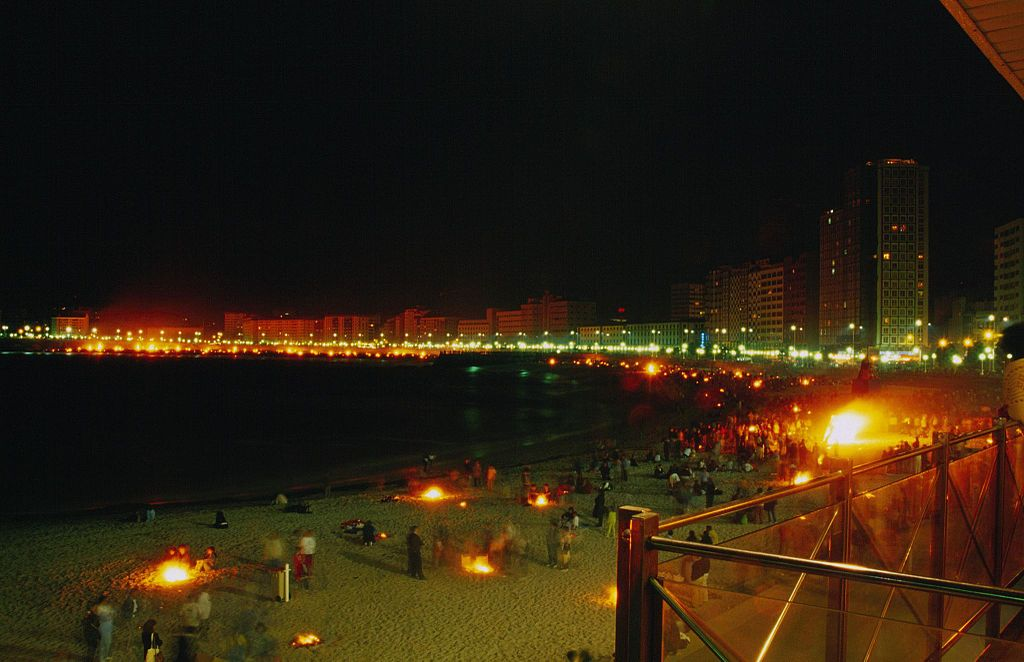 El verano, y con él la mágica noche de San Juan, aterrizan en Valencia
