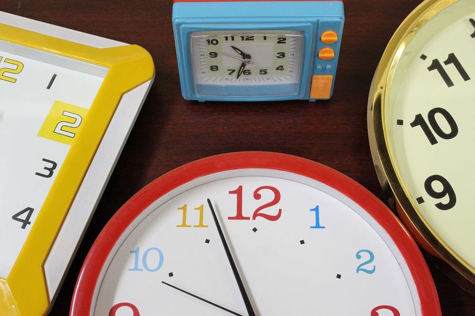 clock-946934_960_720