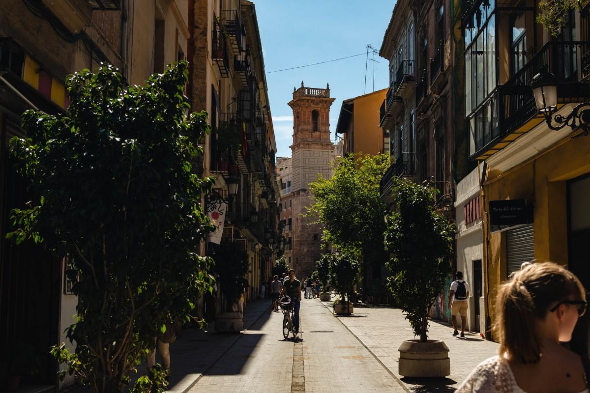 Visita los mejores rincones de Valencia en transporte público